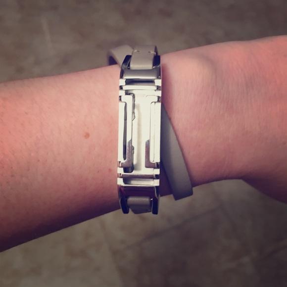 571b28506a0a1 Tory Burch Fitbit Flex 2 bracelet BNWOT Authentic.  M 5a6017dcf9e5018e90d3ffce
